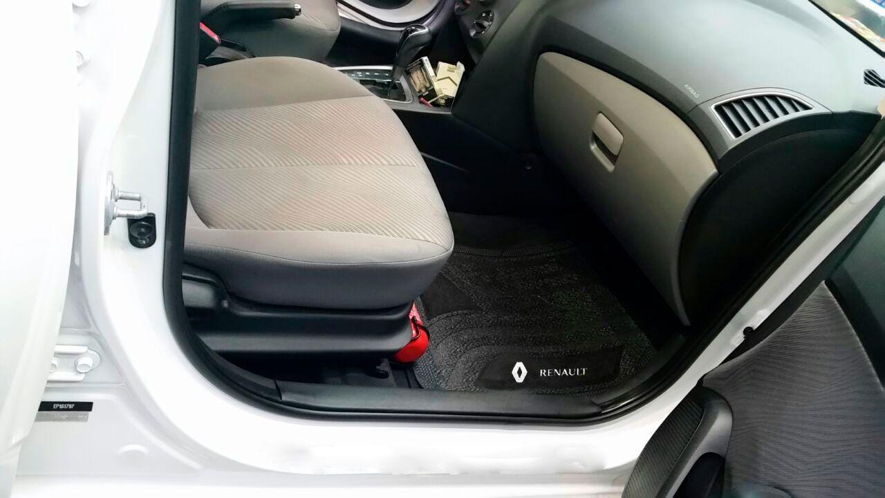 Jogo de Tapete Carpete Universal Renault Sandero Logan Kwid Clio - Preto