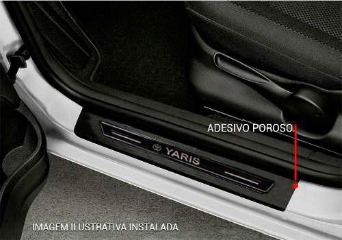 Soleira De Porta Platinum Toyota Yaris Hacth Sedan Preta com Proteção