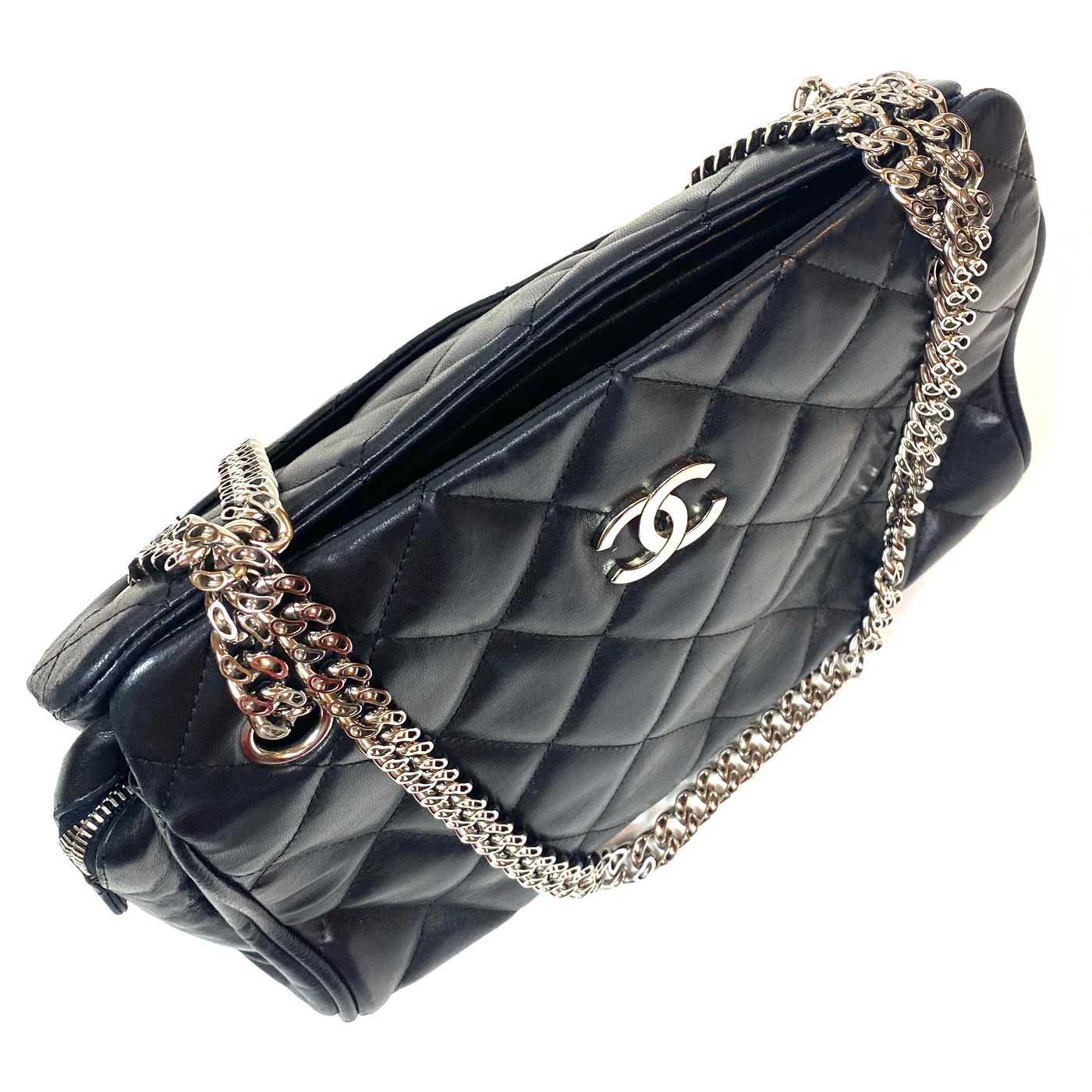 Bolsa Chanel Matelassê Preta
