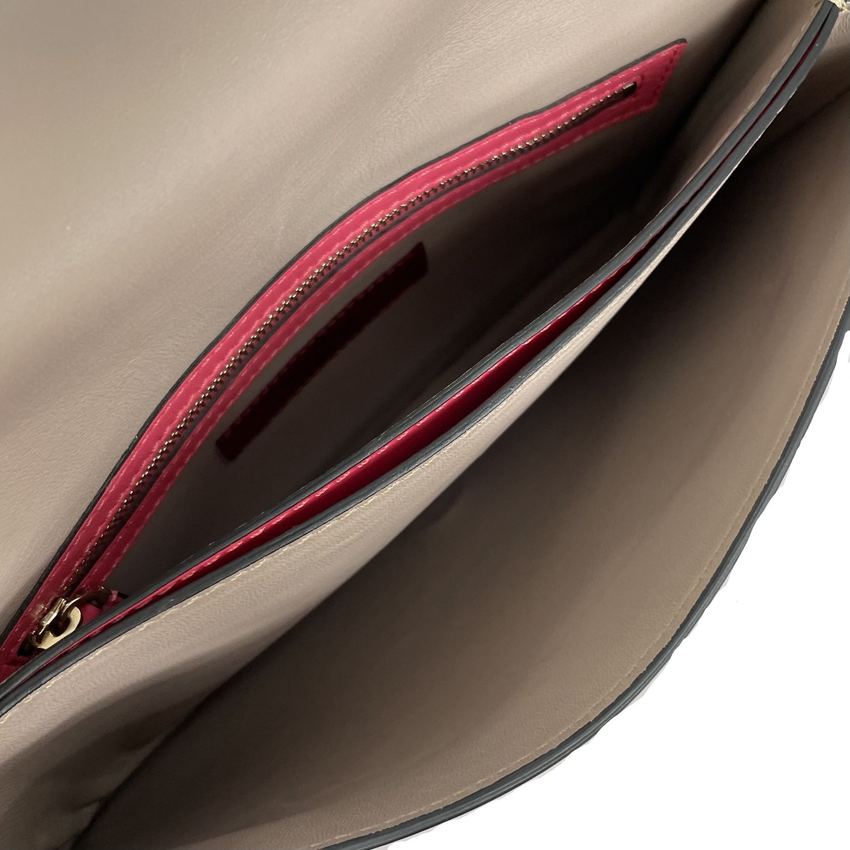 Bolsa Clutch Valentino Rockstud