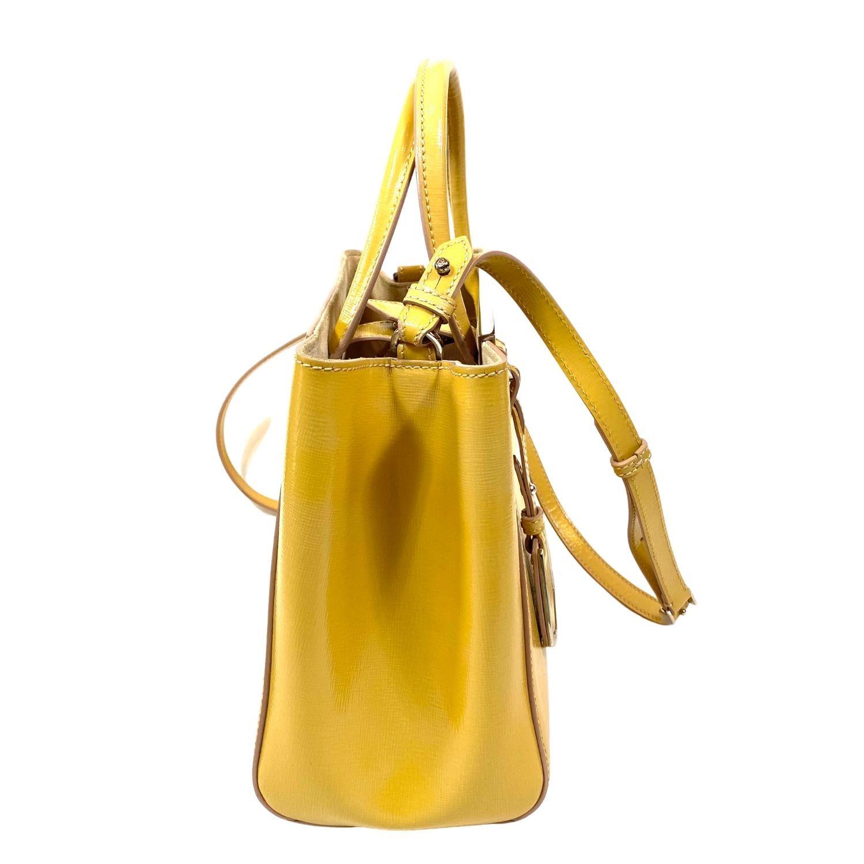 Bolsa Fendi Petite 2 Jours Verniz Amarela