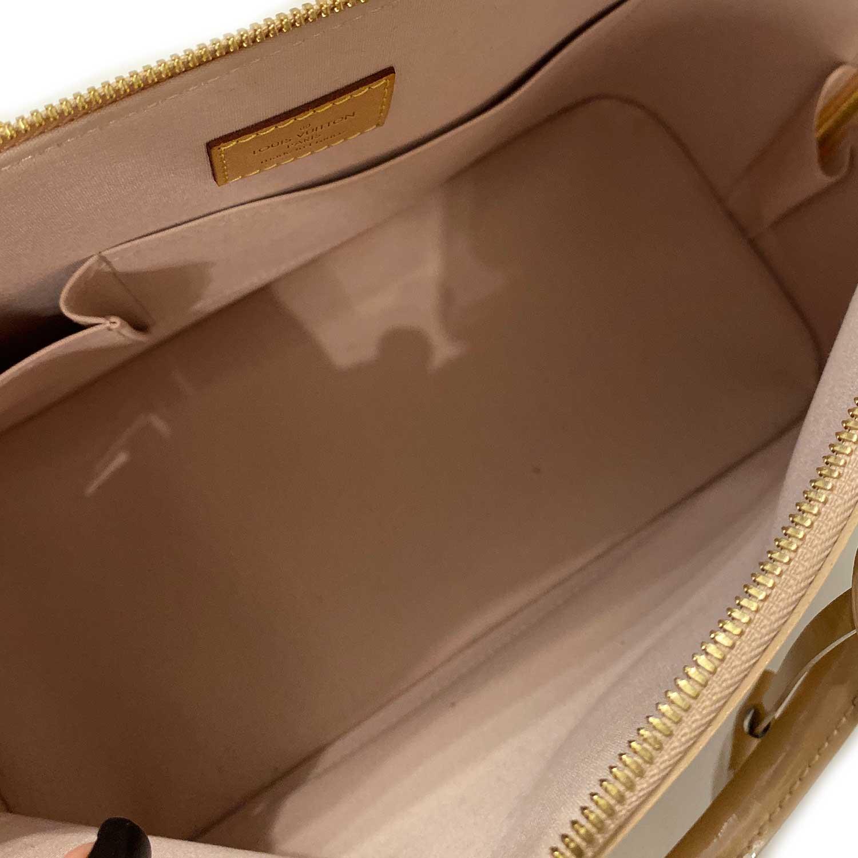 Bolsa Louis Vuitton Alma GM Verniz Nude