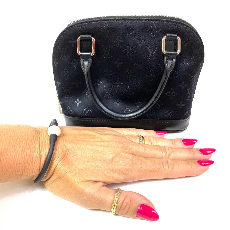 Bolsa Louis Vuitton Alma Micro Preta