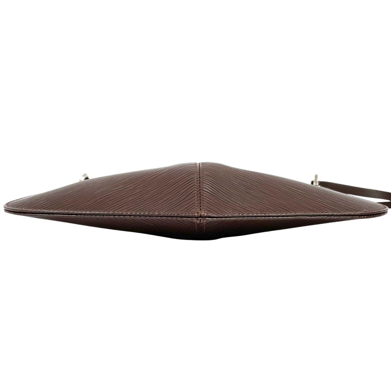 Bolsa Louis Vuitton Pochette Demi-Lune Epi
