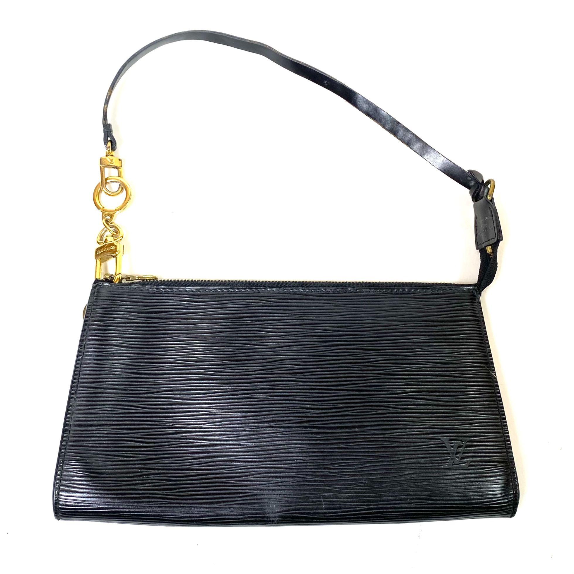 Bolsa Louis Vuitton Pochette Epi Preta