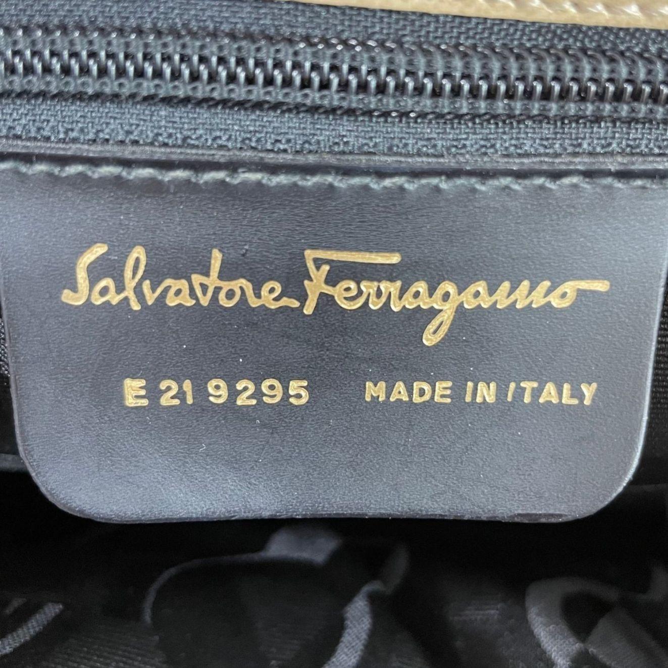 Bolsa Salvatore Ferragamo Beige