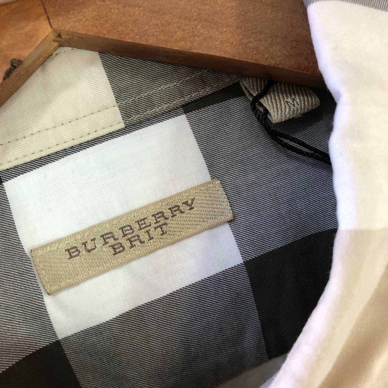 Camisa Burberry Xadrez Beige e Cinza