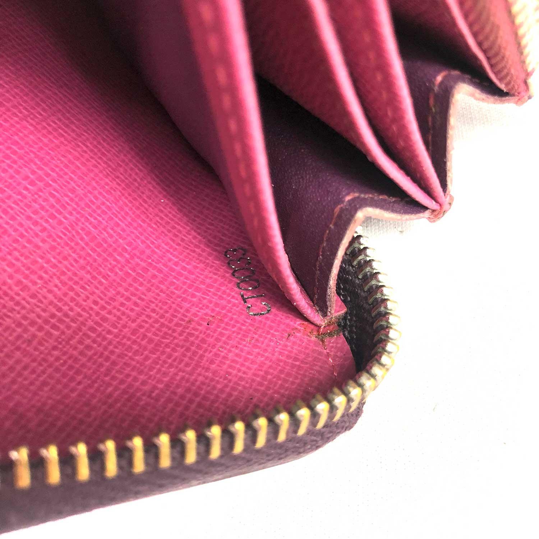 Carteira Louis Vuitton Epi Zippy Roxa