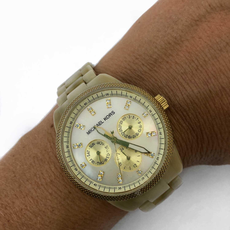 Relógio Michael Kors Madrepérola