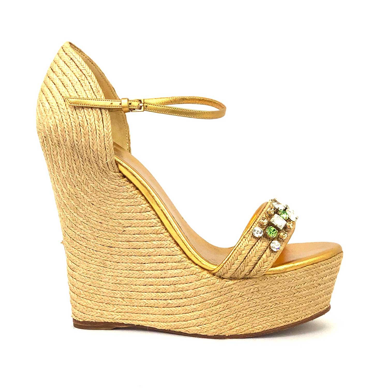 Sandália Anabela Gucci Dourada com Pedrarias
