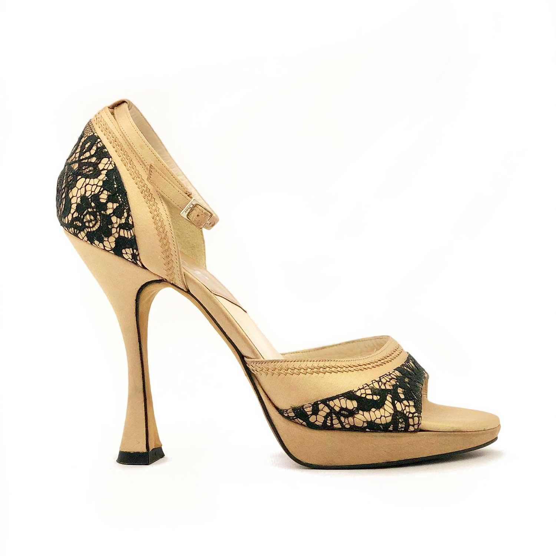 Sandália Dourada com Renda Preta Dior