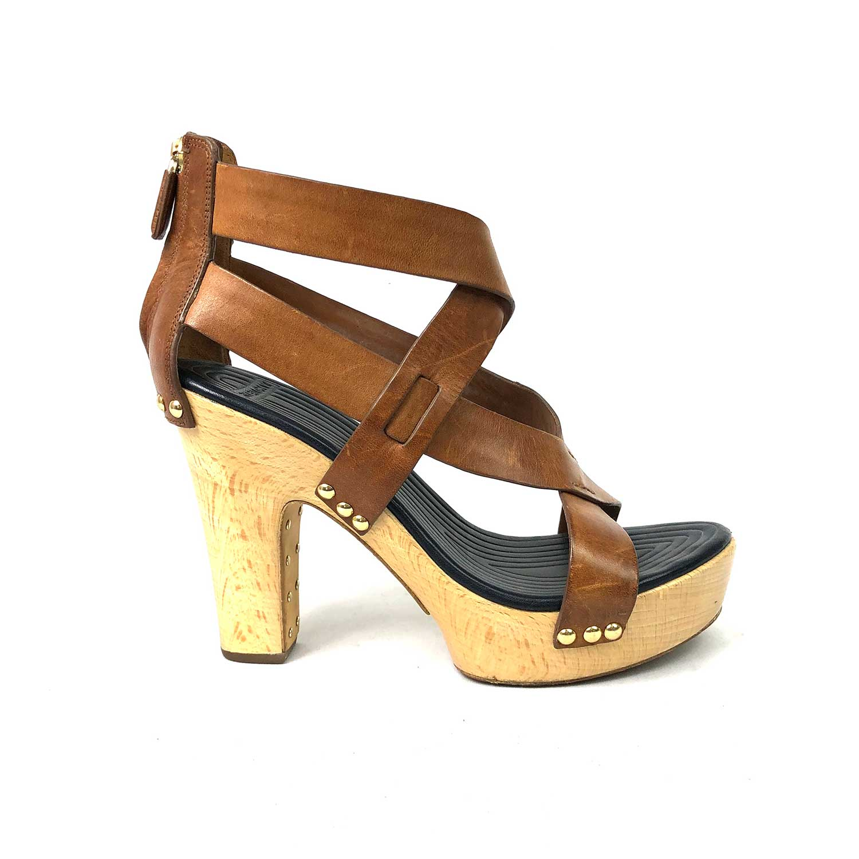 Sandália Givenchy Caramelo