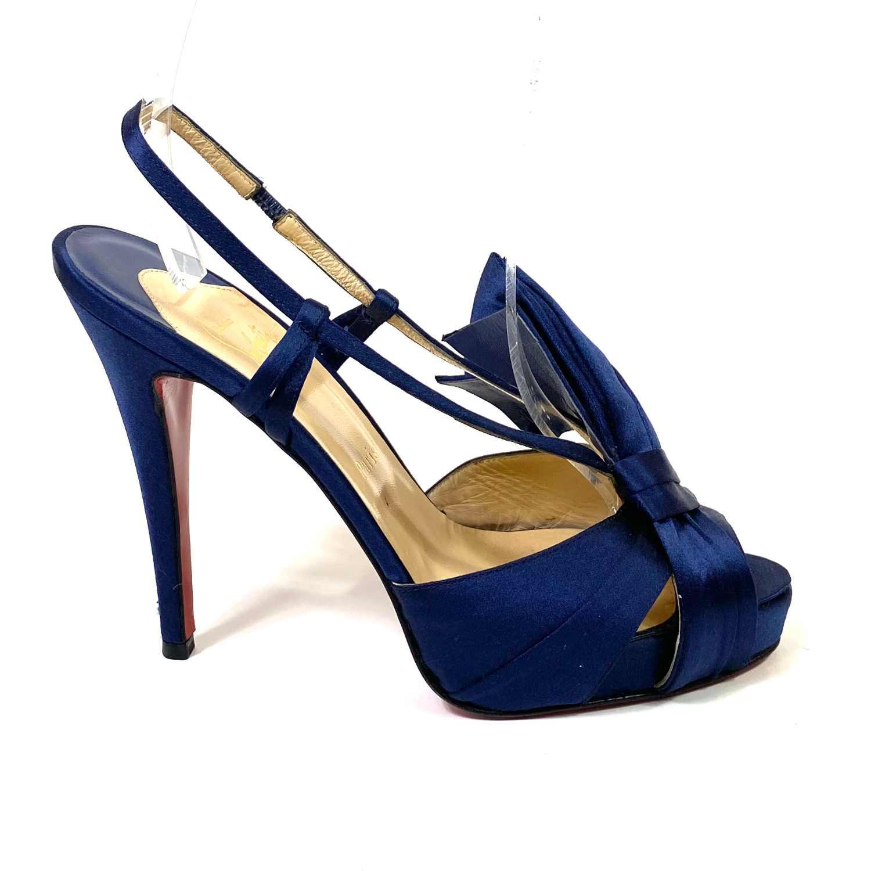 Sandália Louboutin Cetim Azul