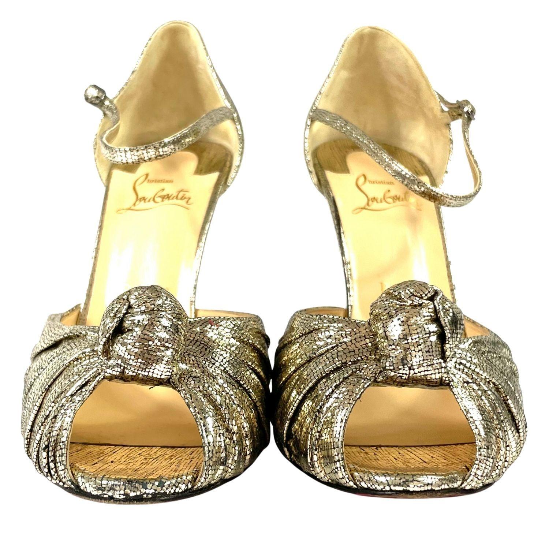 Sandália Louboutin Nó Dourada