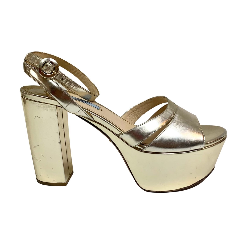 Sandália Prada Plataforma Dourada