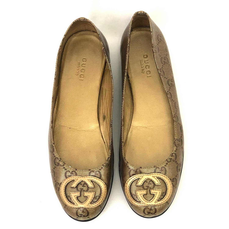 Sapatilha Gucci Dourada Monograma