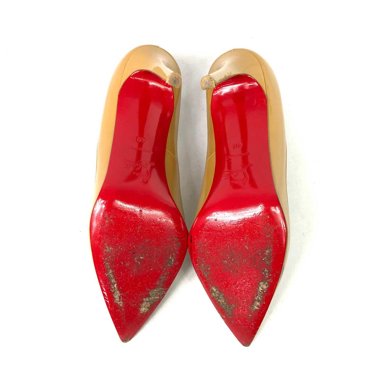 Sapato Louboutin Verniz Beige