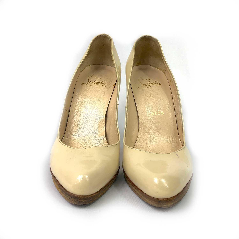 Sapato Louboutin Verniz Creme
