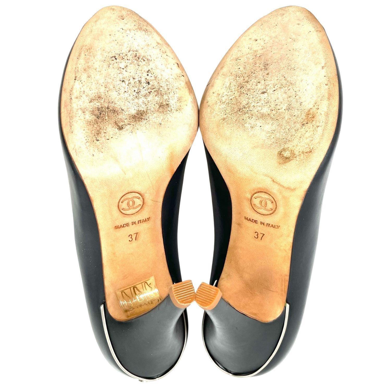 Sapato Peep Toe Chanel CC Preto