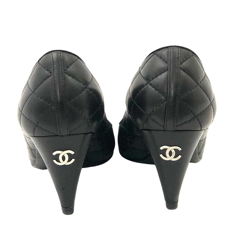 Scarpin Chanel Matelassê Preto