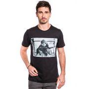 Camiseta Armas equilibram forças - Preta