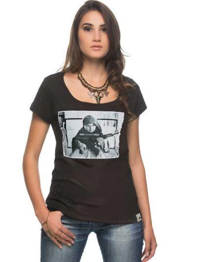 Camiseta Feminina Armas Equilibram Forças - Preta
