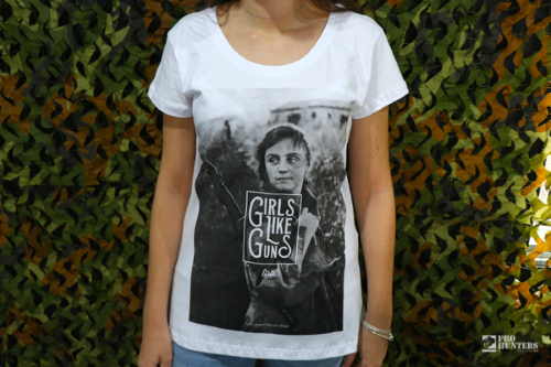 Camiseta Feminina Girls Like Guns Too - Branca