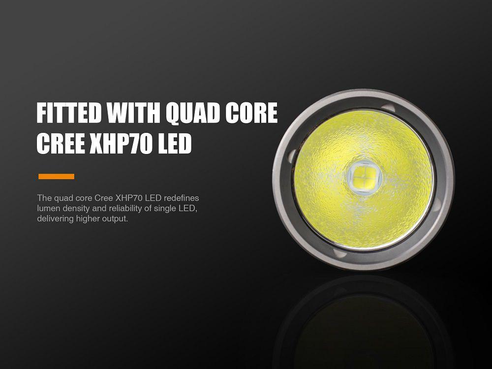 Lanterna Recarregável UC52 - 3100 Lumens