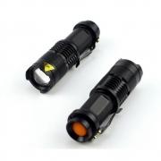 Mini Lanterna Tática