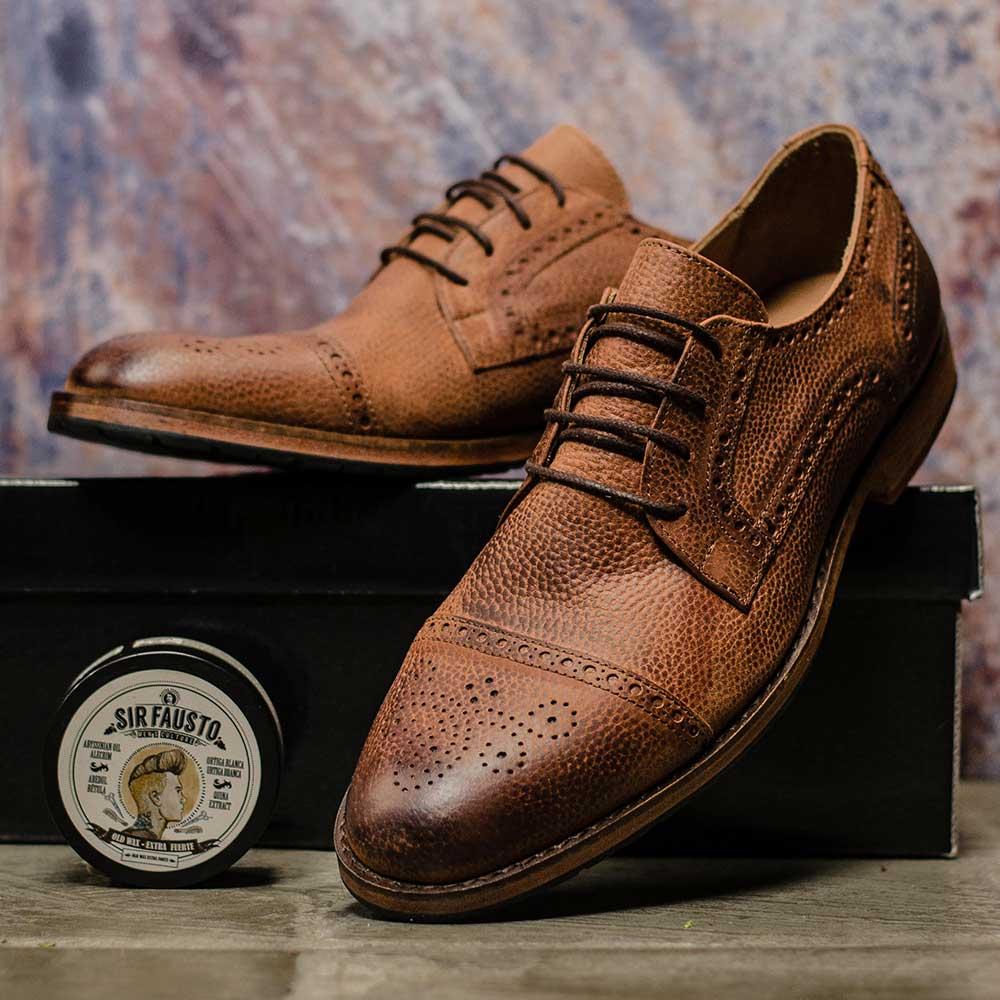 Sapato de Couro Manchado