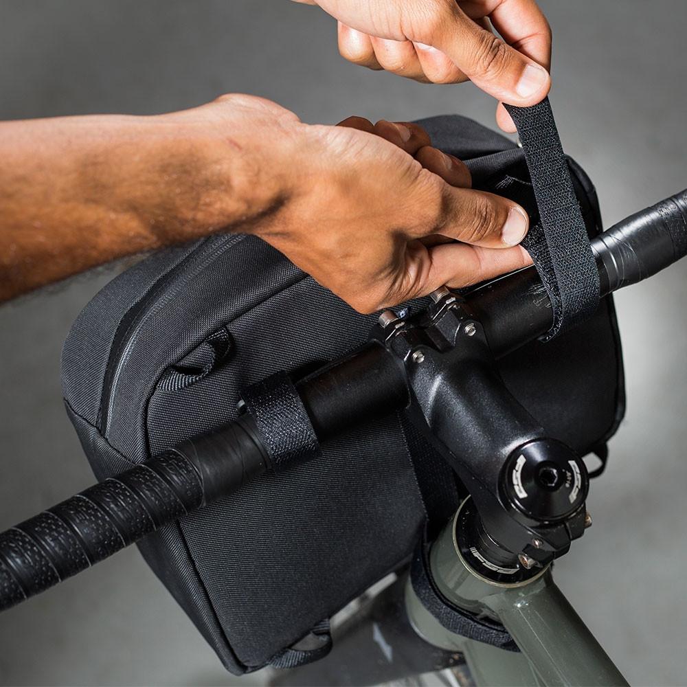 Bolsa de guidão Curtlo Nomad 4,5L C/ Porta Ferramentas