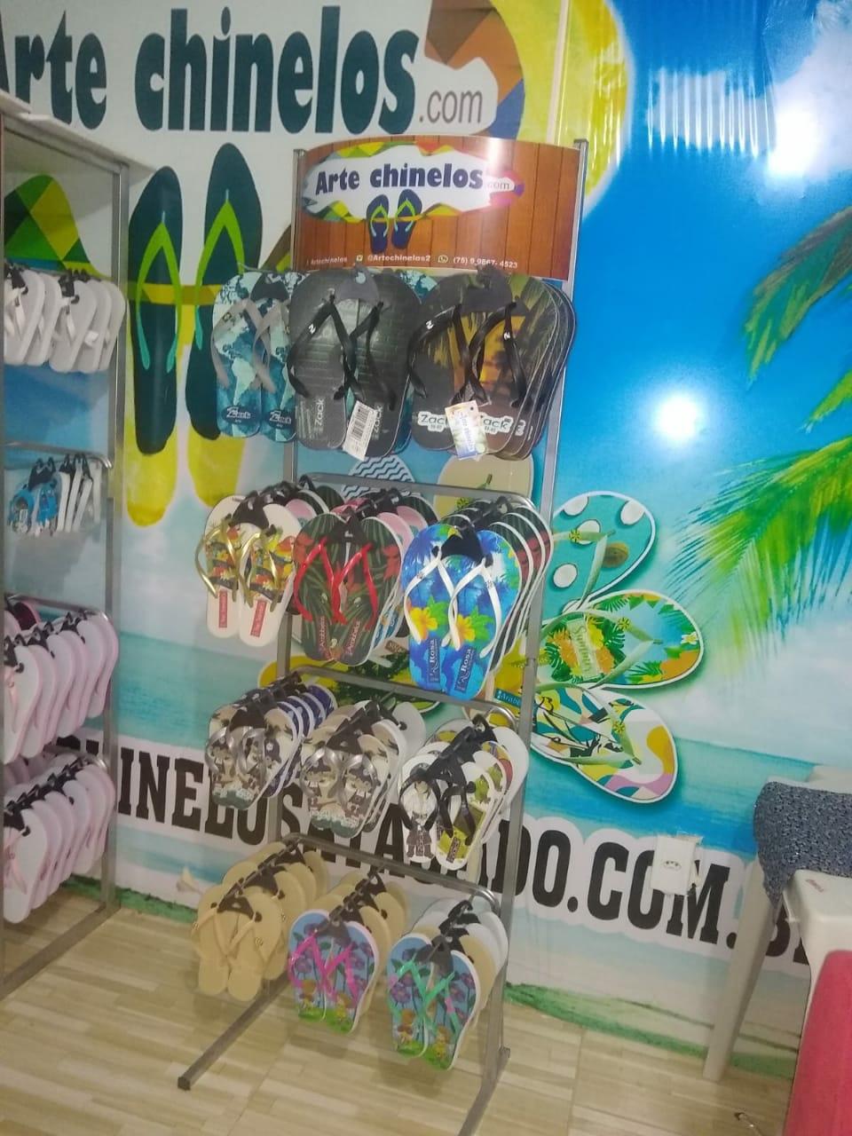 Expositor chinelos e sandálias 12 ganchos