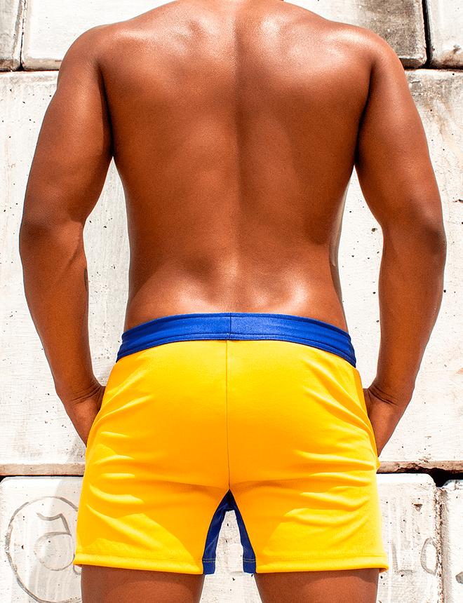 Short amarelo com azul