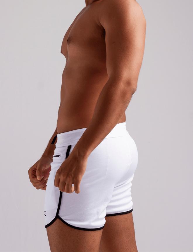 Short branco com viés preto