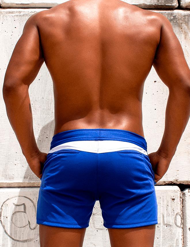 Short curto azul com branco