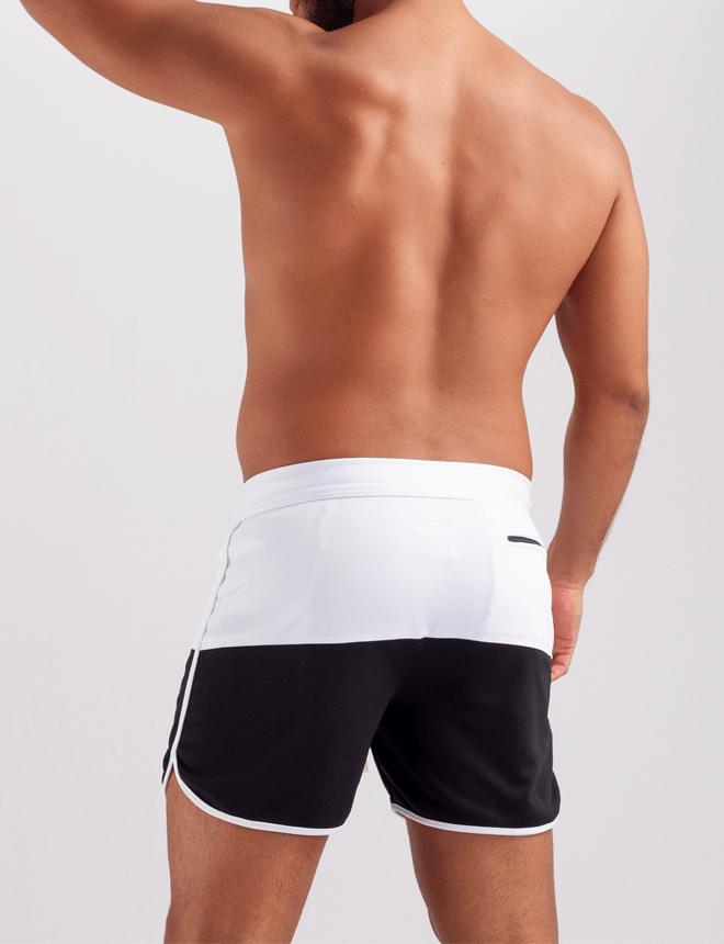 Short curto masculino branco com preto