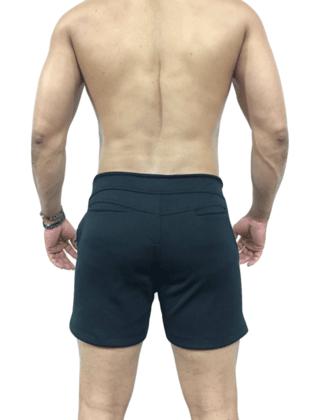 Short masculino de moletom preto com azul.