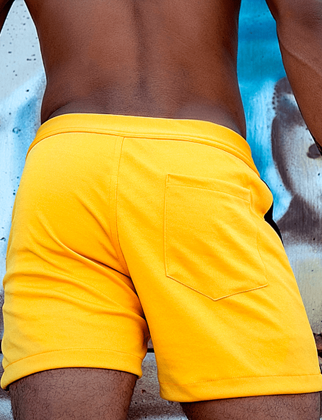 Short sport amarelo com preto