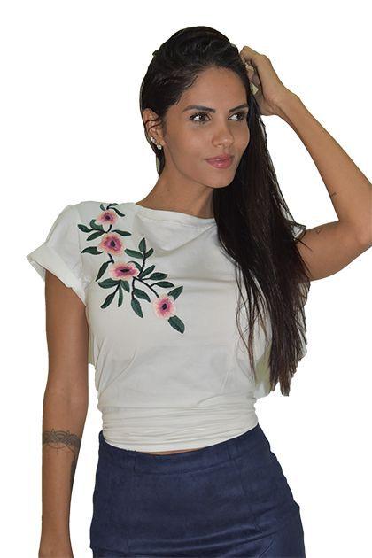 f65267894 atacado t-shirts feminina 20und com pedras evangélica gospel. Carregando  zoom. T-Shirt Feminina Flora Branca By Chris Santini
