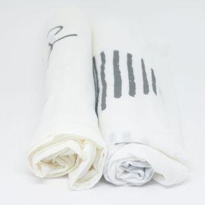 flufi uma camada de algodão: grafismo cinza + mêsversário. Kit com 2 unidades