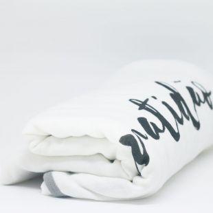 flufi quatro camadas de algodão frase gratidão - 14 opções de cores - com verso em linhas cinza