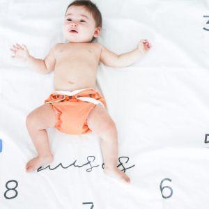 flufi quatro camadas de algodão mesversário com nome do bebê - 14 opções de cores