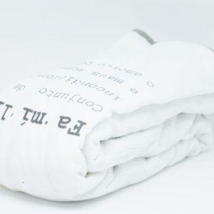 flufi quatro camadas de algodão em estampa significado família - 12 opções de cores - com verso em linhas cinza