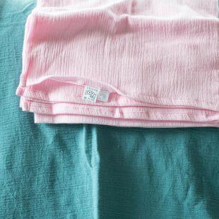 flufi uma camada de algodão em cor rosa bebê
