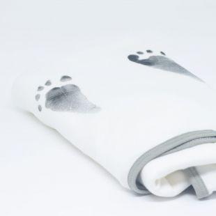 mantinha em estampa das digitais do pezinho e nome do seu bebê