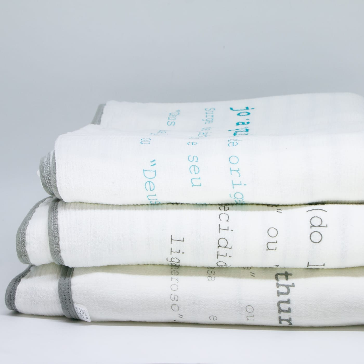 flufi quatro camadas de algodão em estampa significado nome da criança - 12 opções de cores - com verso em linhas cinza