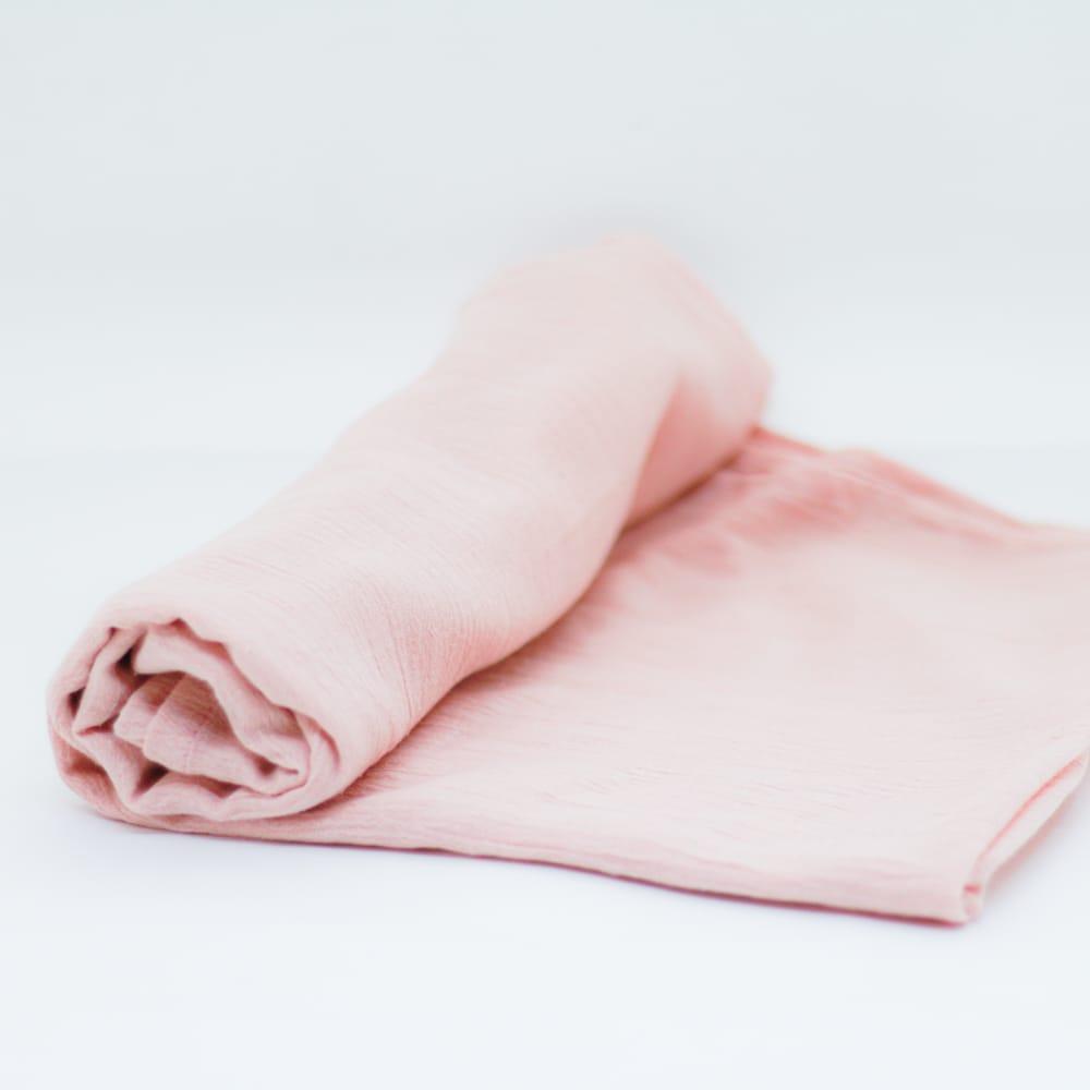 flufi uma camada de algodão em cor rosa blush