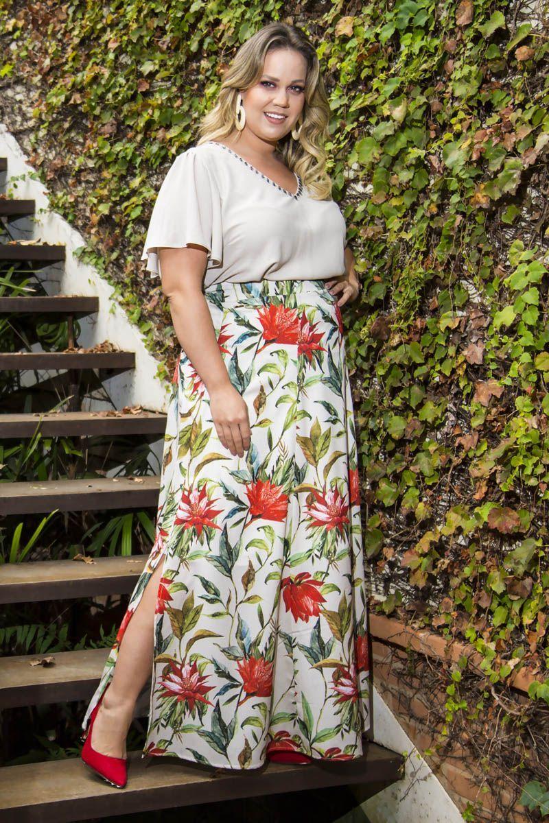 Blusa Plus Size Crepe com Detalhe Bordado Kauly 2263