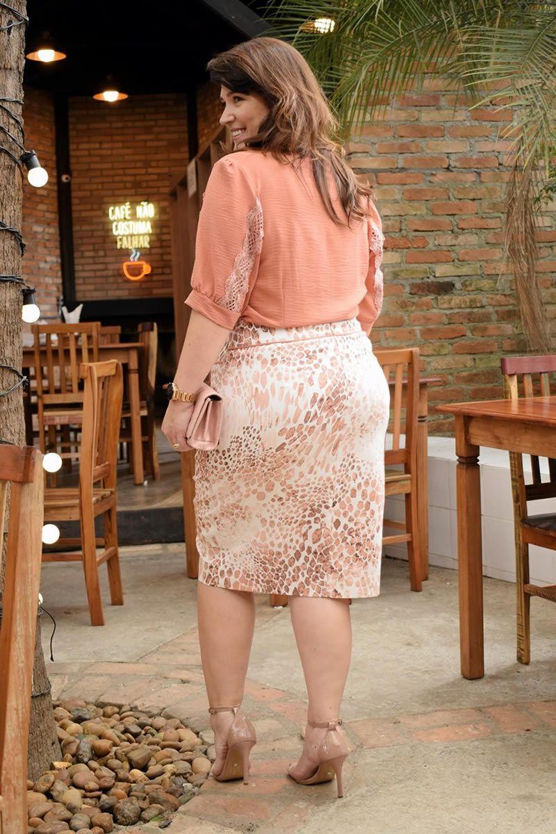 Camisa Plus Size Crepe Detalhes em Renda Kauly 2789