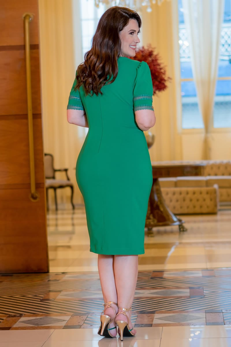 Vestido Kauly Plus Size Verde Alfaiataria Fivela e Recortes em Tule 2985